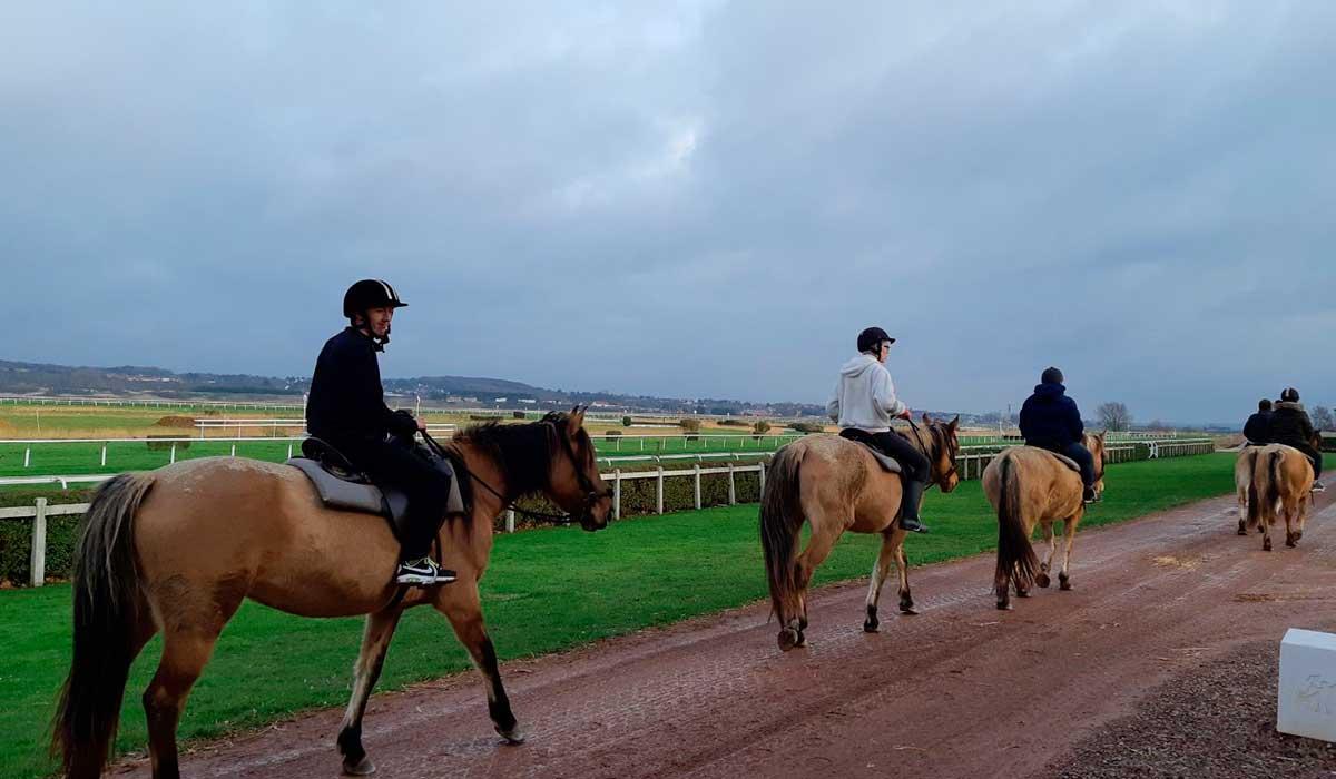 balade cheval hippodrome